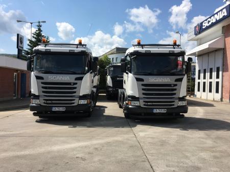Два нови влекача Scania G450 в разгара на земеделския сезон