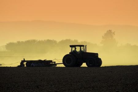 Обнародвано: изменения в държавната помощ за гориво за земеделие